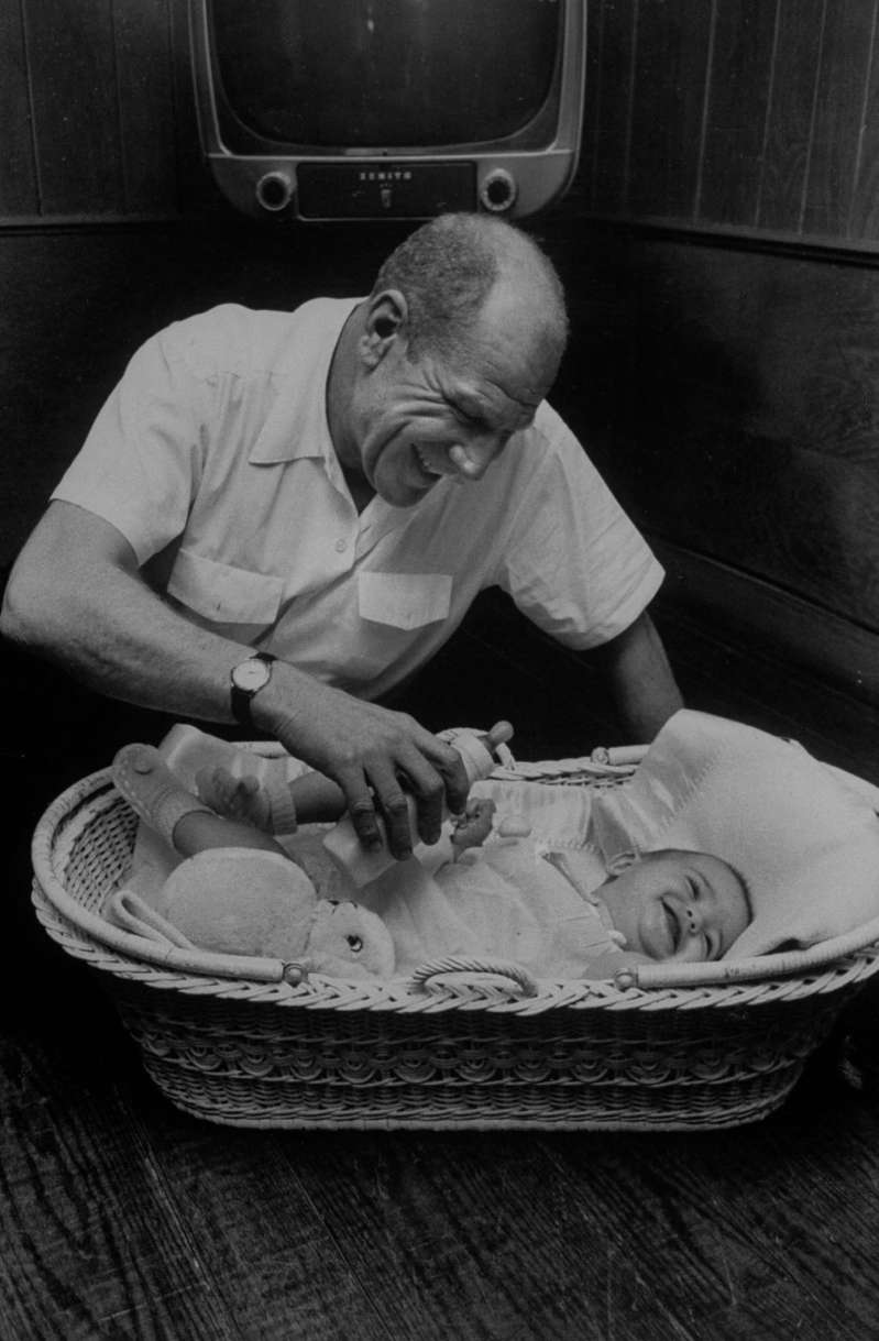 Veeck feeds his baby -- one of eight kids he had over the course of two marriages.  I was in the game for love,  he once said of his years in baseball.  After all, where else can an old-timer with one leg, who can't hear or see, live like a king while doing the only thing I wanted to do?