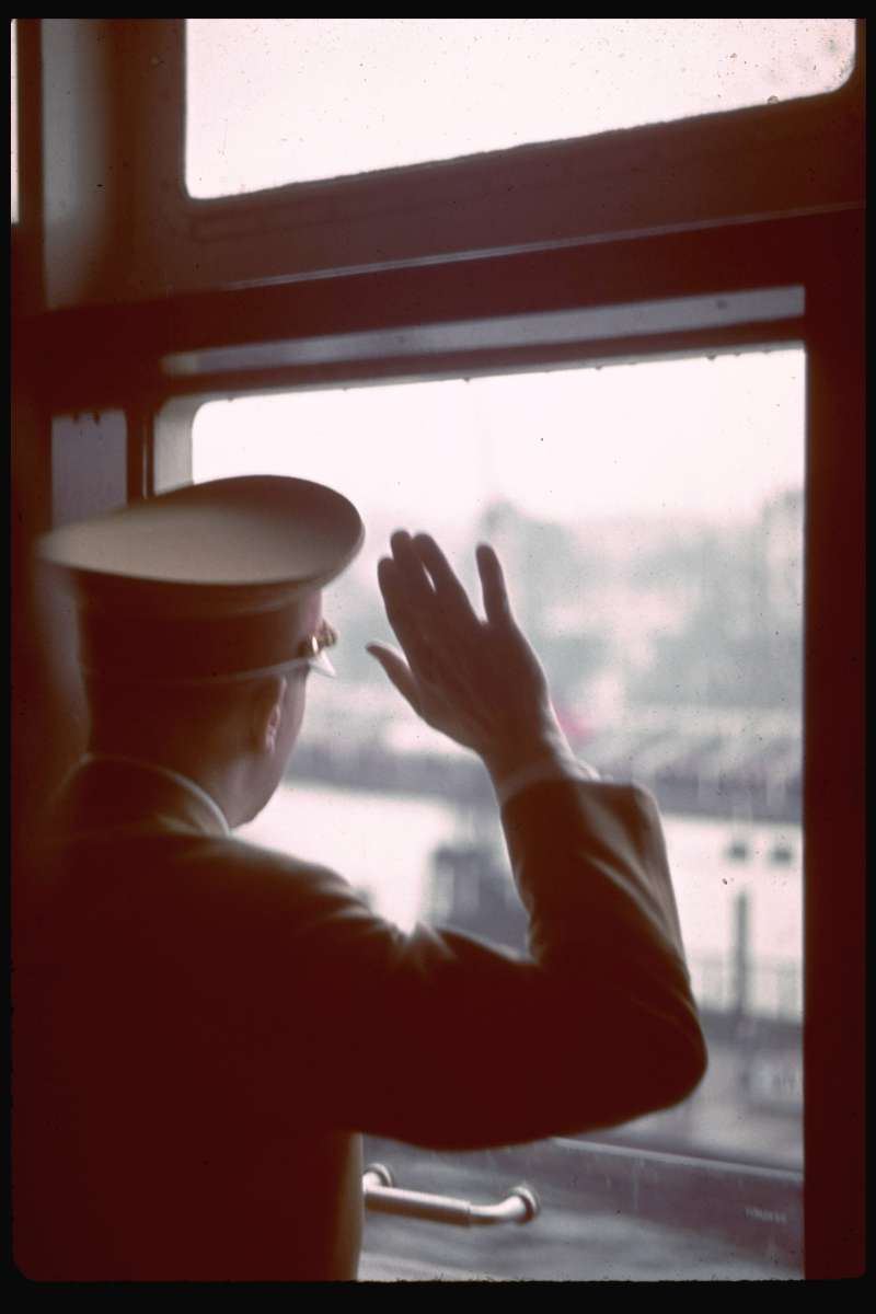 Hitler waves from aboard the Robert Ley.