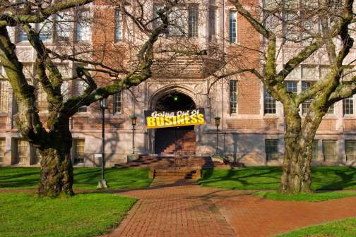 5 Signs Your College is in Serious Financial Trouble