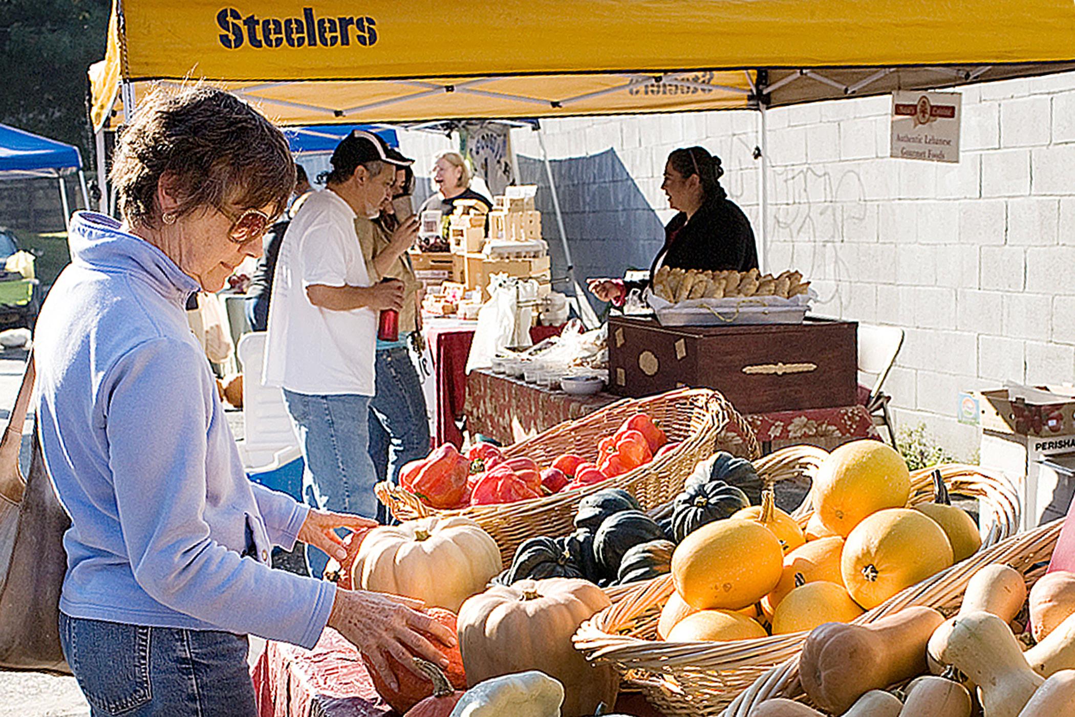 Saturday Farmers Market on The Strip District, Penn Avenue, Pittsburgh, Pennsylvania