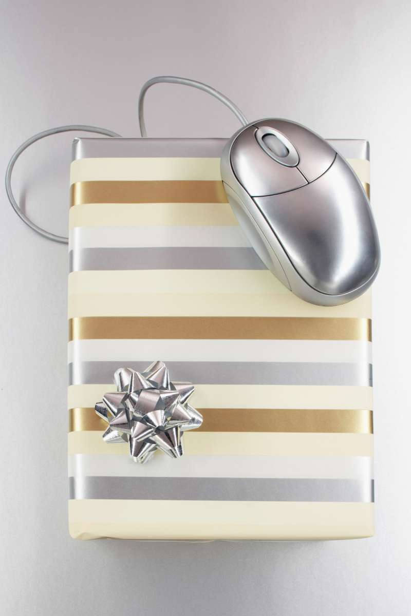 mouse on top of present