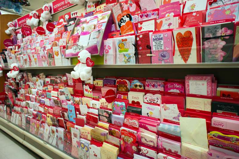 Greeting cards to send to your loved ones for Valentine's Day