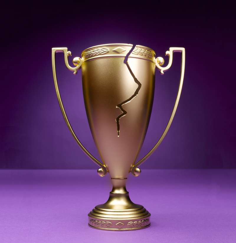 trophy with crack in it