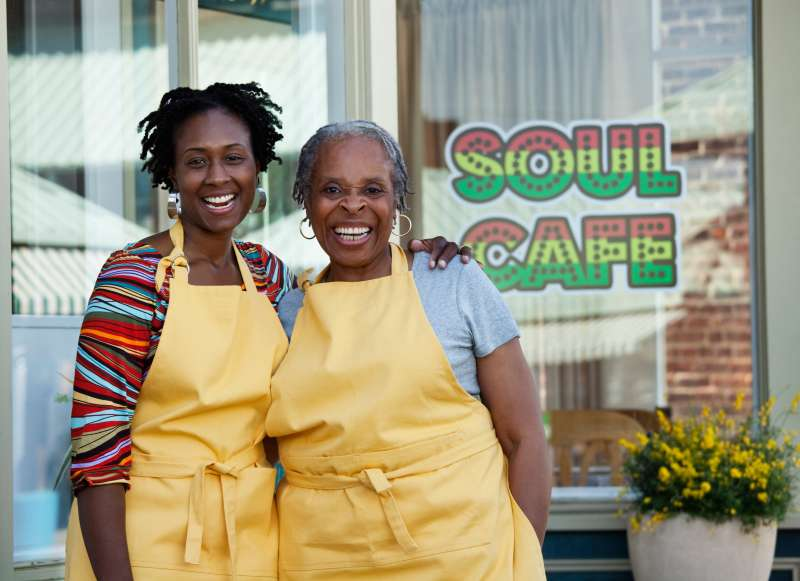 mother and daughter shopkeepers