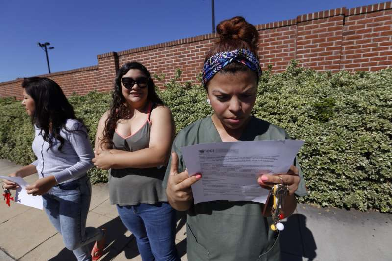 Students Scrambling as Remaining Corinthian Colleges Shut Down