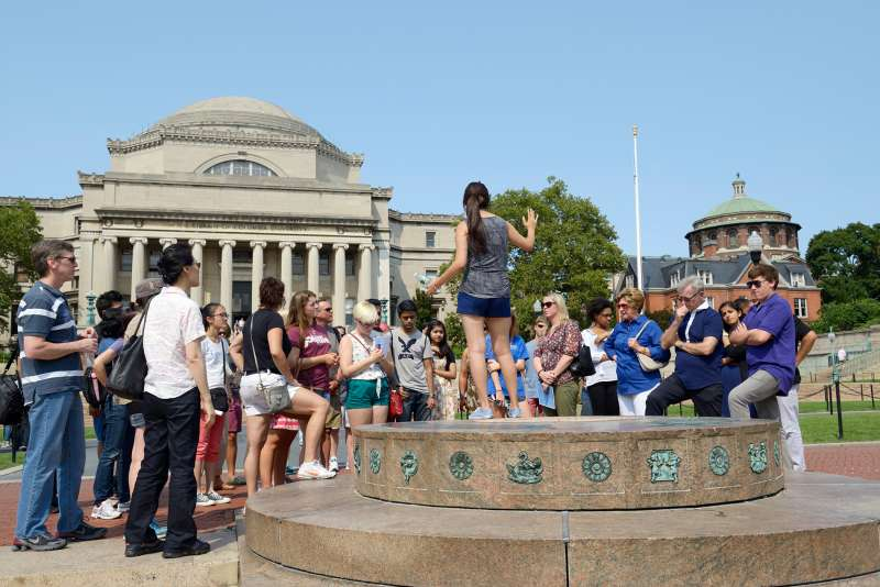 A student leader gives an admissions tour in the center of campus, Columbia University