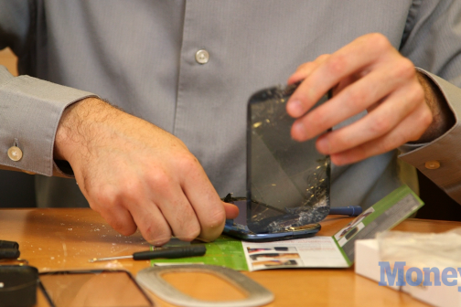 Should You Fix Your Shattered Phone Screen Yourself?
