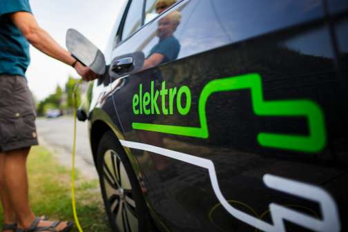3 Big Challenges Facing Electric Cars