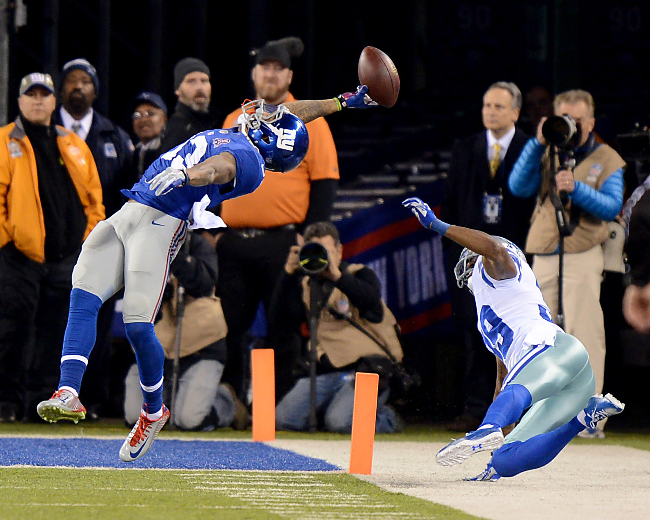 New York Giants wide receiver Odell Beckham makes stunning touchdown catch in the first half during game against the Dallas Cowboys. Sunday, November 23, 2014 at the MetLife Stadium in East Rutherford, New Jersey.