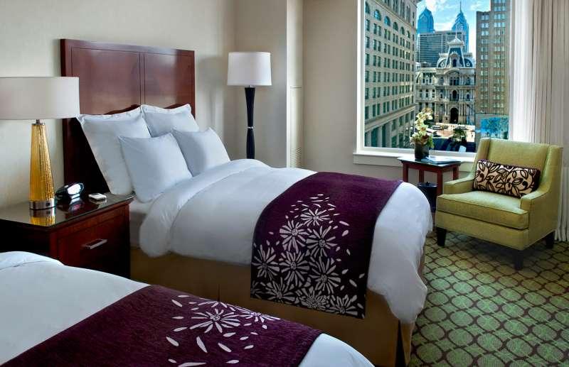 Philadelphia Marriott Downtown Queen Room