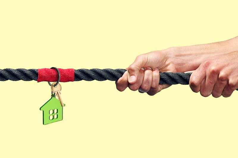 tug of war with house keys