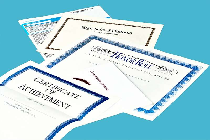 High-school honors don't always pay off in college financial aid.