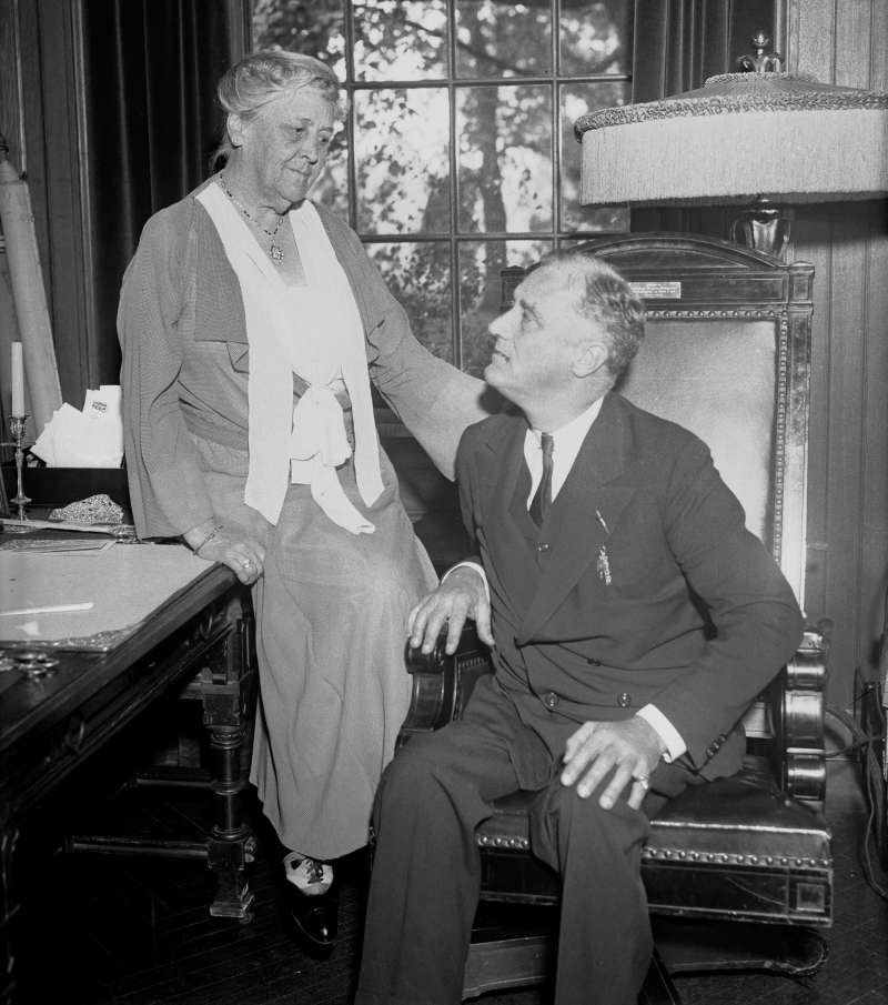"""Mrs. James Roosevelt gives her son, Governor Franklin D. Roosevelt, some motherly advice at their estate in Hyde Park, New York, October 18, 1932. Mrs. Roosevelt was the  First Mother of the United States,"""" and was the only living mother of a president for about a decade."""