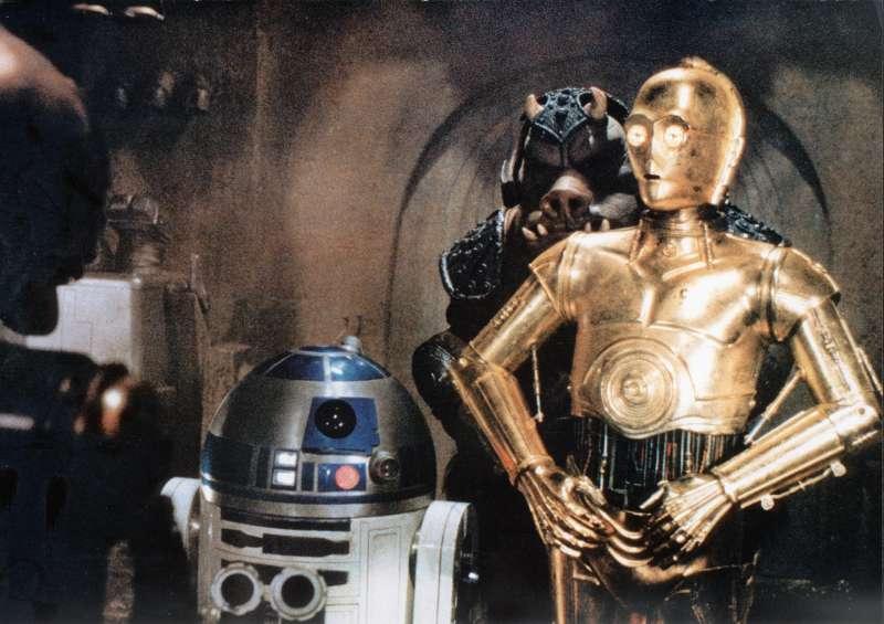 C-3PO and R2-D2 in STAR WARS VI: RETURN OF THE JEDI (1983)