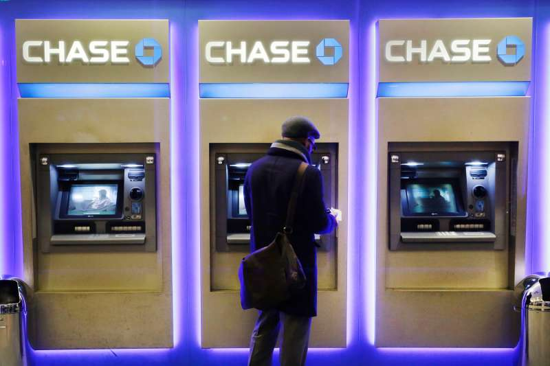 Customer using a Chase Bank ATM