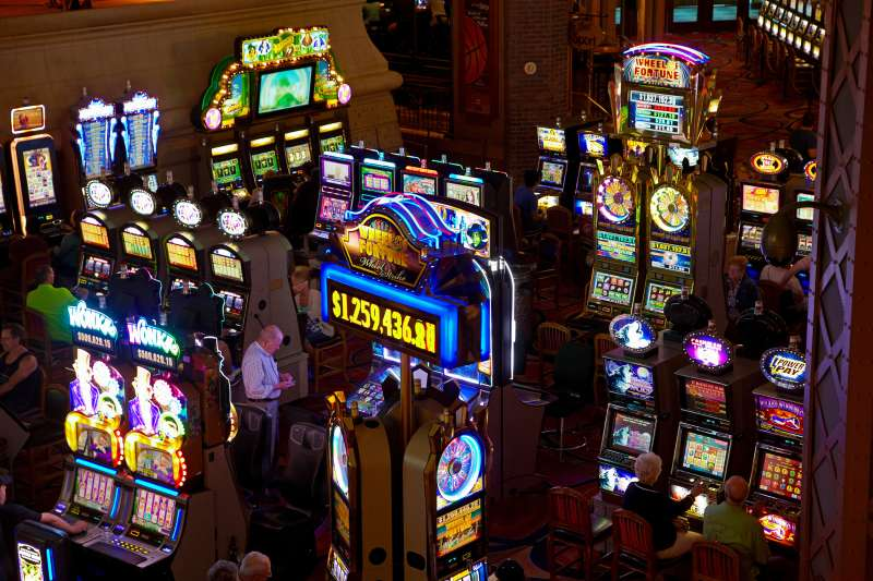 160112_EM_GamblingStates