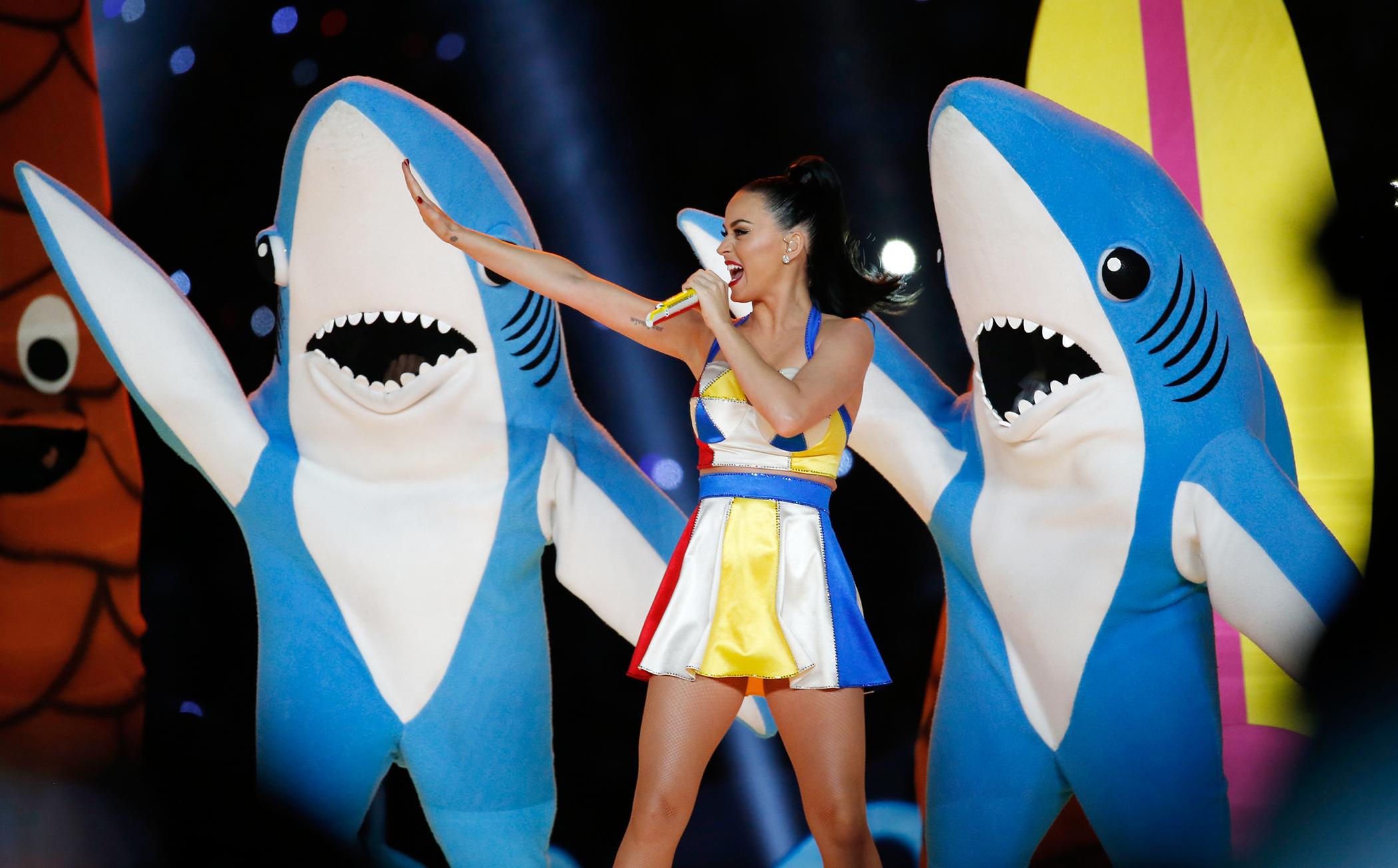 Katy Perry performs during the halftime show at the NFL Super Bowl XLIX football game between the Seattle Seahawks and the New England Patriots in Glendale, Arizona, February 1, 2015.