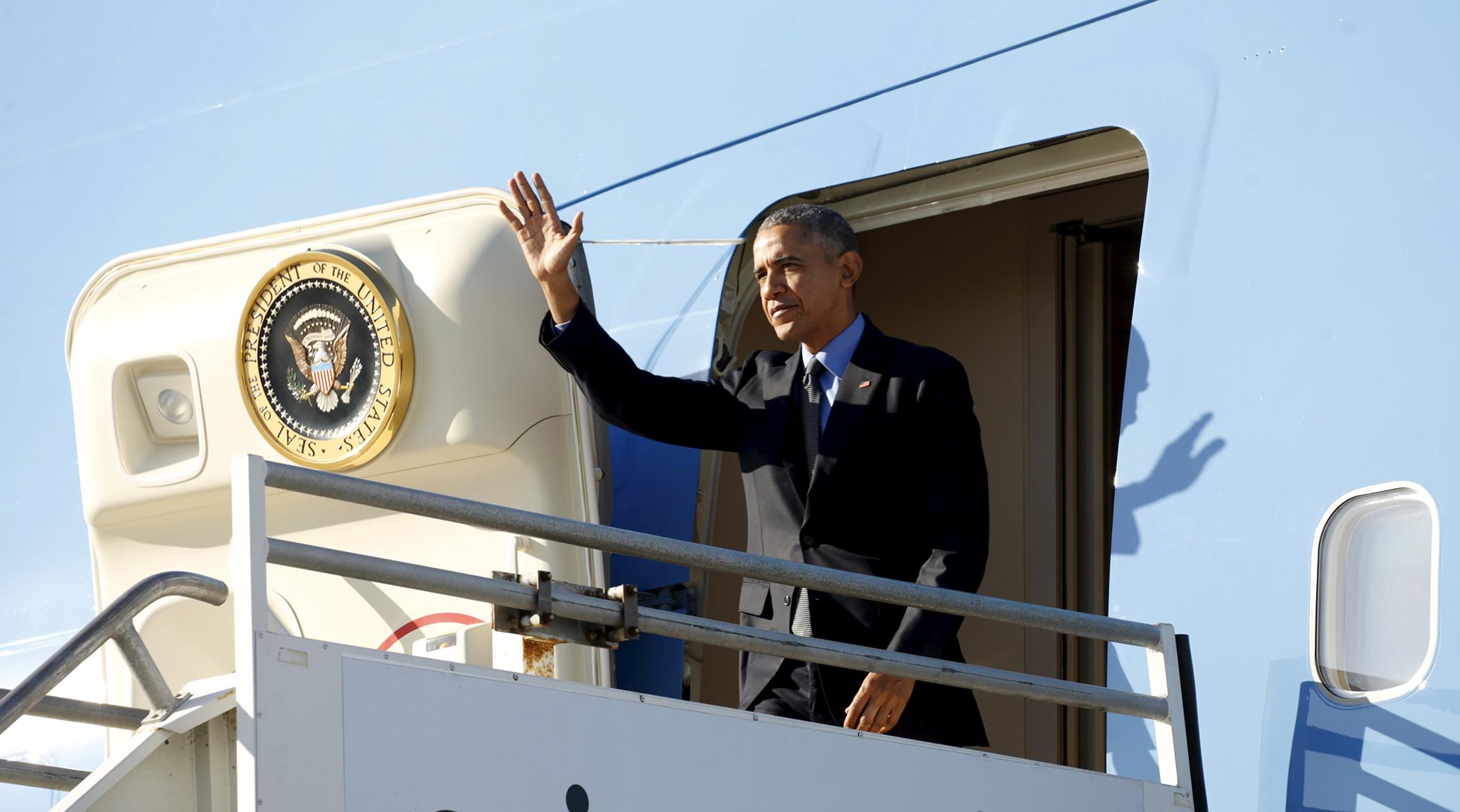 U.S. President Barack Obama arrives in Los Angeles, California February 11, 2016.
