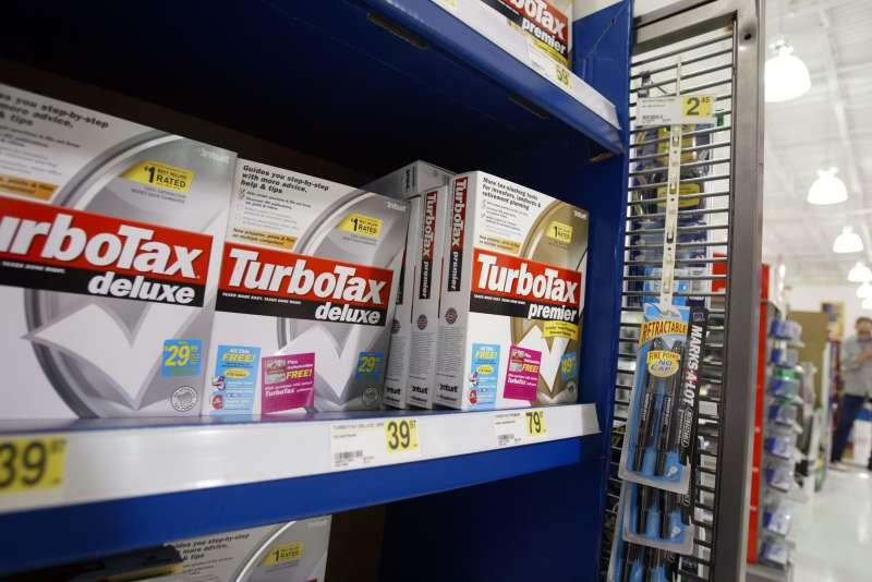 Tax Filer Feels Crunch Of April 15 Tax-Filing Deadline