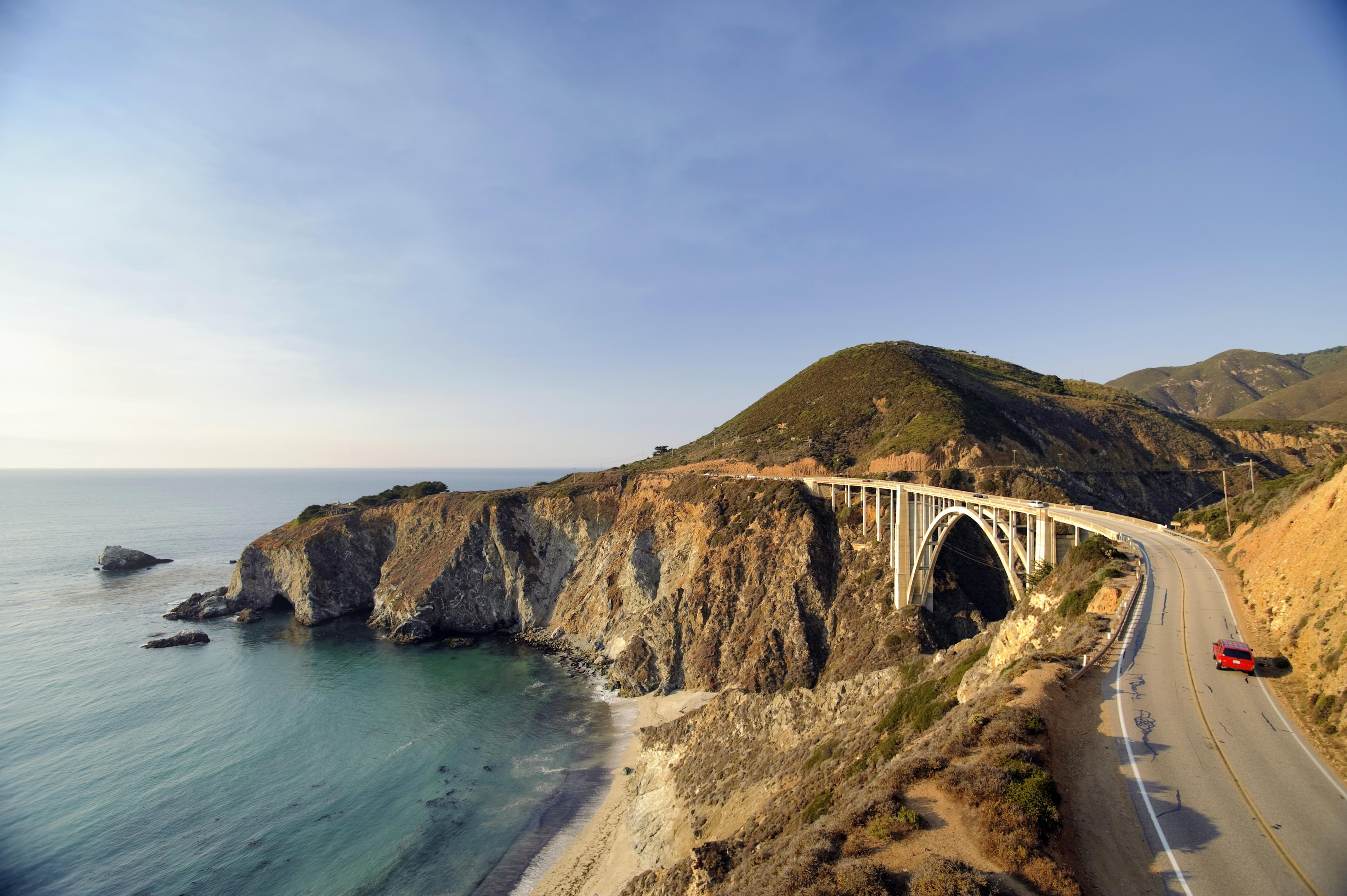USA, California, Big Sur Pacific Coastline, Bixby Bridge and Highway 1