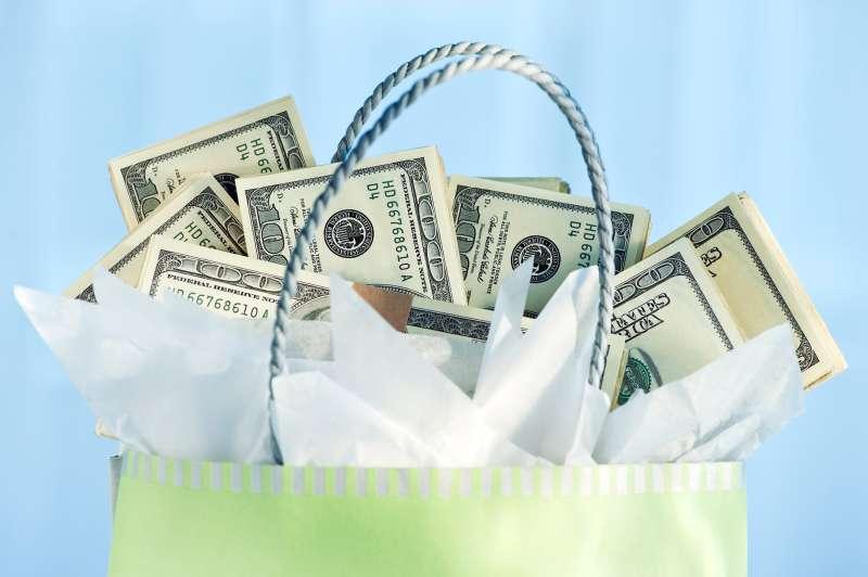 cash in gift bag