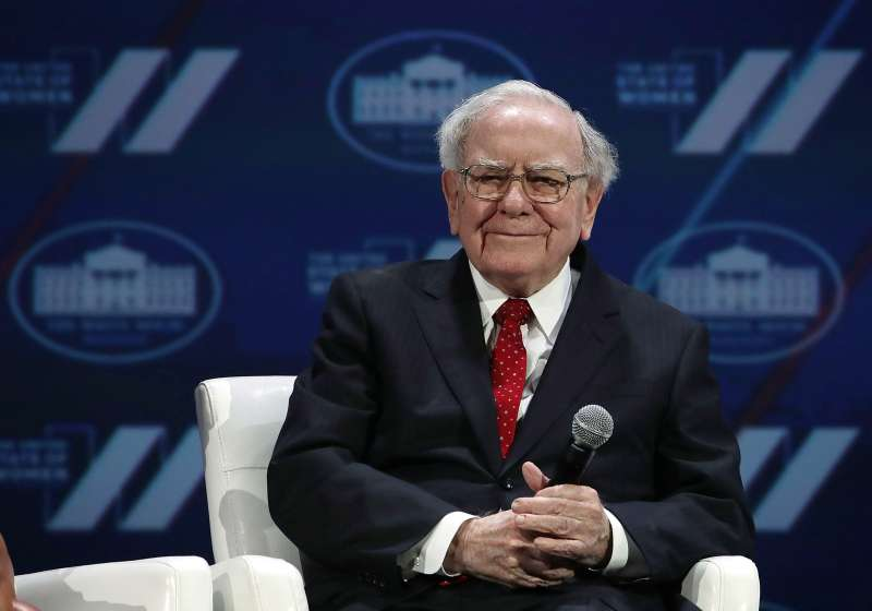 WASHINGTON, DC - JUNE 14:  Warren Buffet participates in a discussion during the White House Summit on the United State Of Women June 14, 2016 in Washington, DC. The White House hosts the first ever summit to push for gender equality.  (Photo by Alex Wong/Getty Images)
