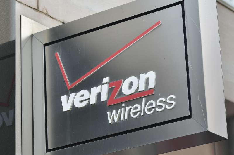 Verizon will hike prices on its wireless plans.