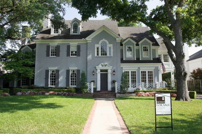 A new study has found that race greatly affects mortgage rates in St. Louis.
