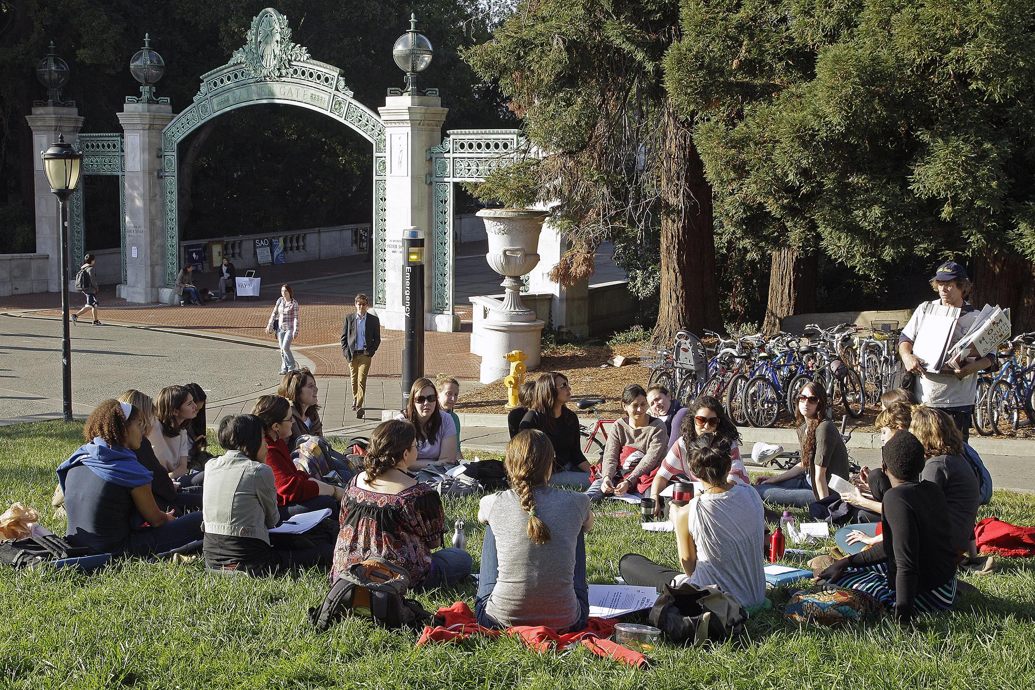 160908_COLL_BusSchools_Berkeley