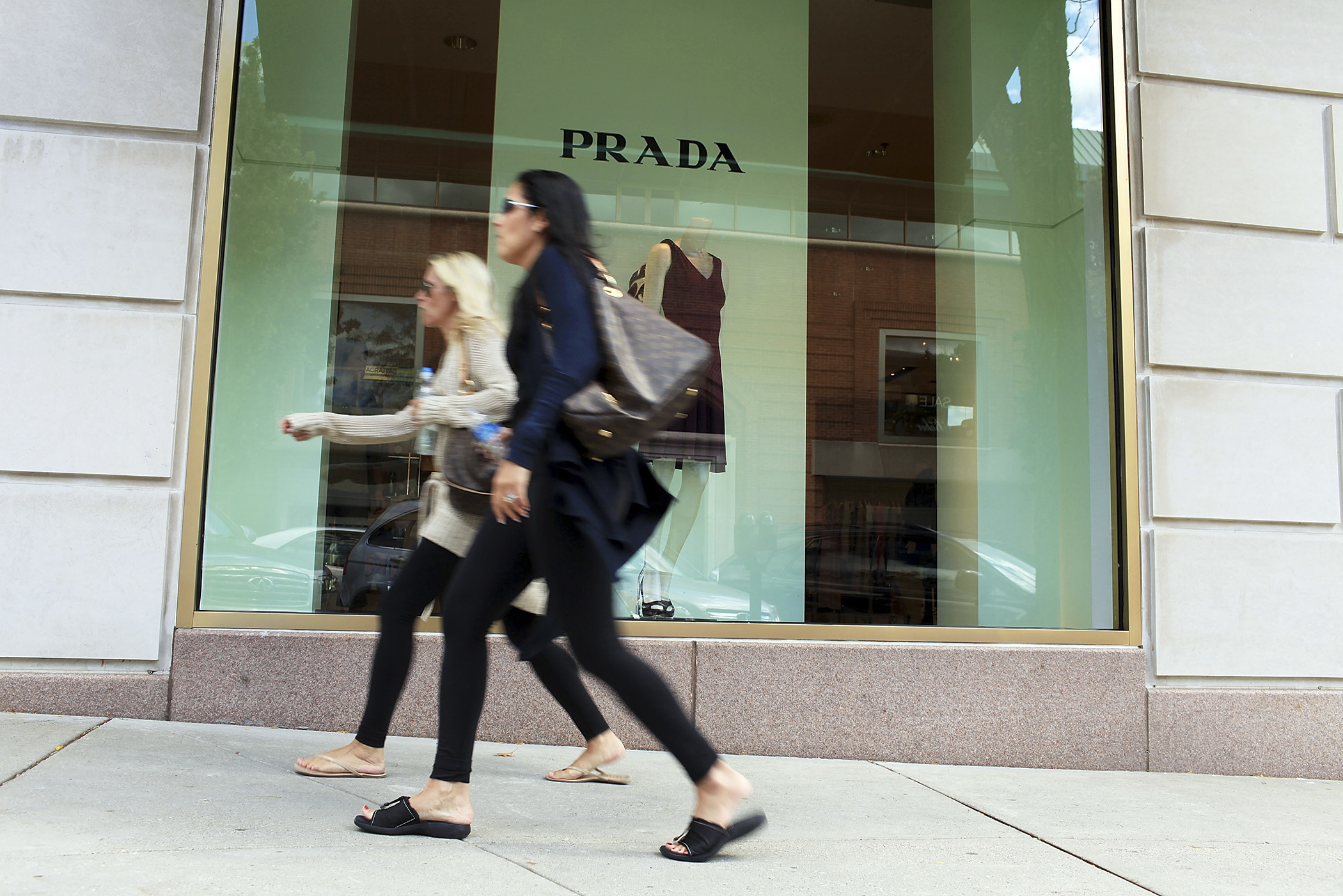 4. Greenwich, Connecticut: Luxury brands are a common sight in Greenwich, where household income clocks in at $136,032. Median home price just tops $1 million, and average annual property tax is a whopping $14,132.