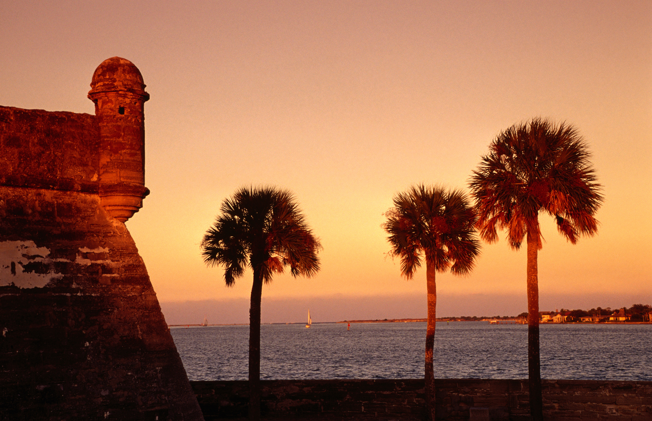 10.St Augustine, Fla.:Floridians, including those in the coastal town of St. Augustine, die less frequently from heart disease compared to other cities and states.
