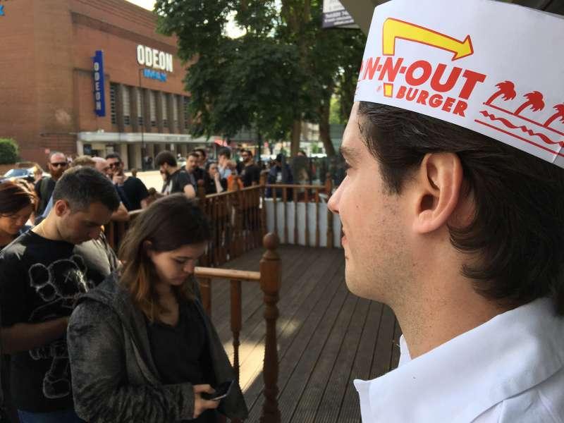 Queues Round The Block For California Burger Pop-up Restaurant