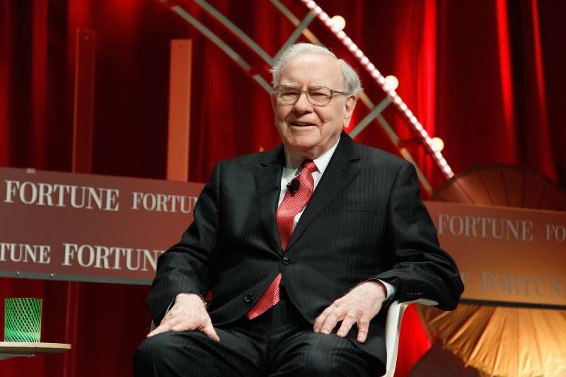 WASHINGTON, DC - OCTOBER 13:  Warren Buffett speaks onstage during Fortune's Most Powerful Women Summit - Day 2 at the Mandarin Oriental Hotel on October 13, 2015 in Washington, DC.  (Photo by Paul Morigi/Getty Images for Fortune/Time Inc)