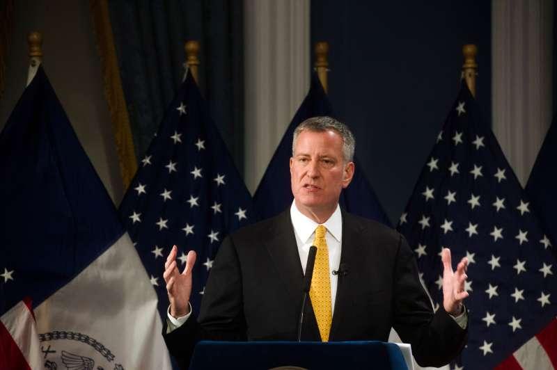 New York City Mayor Bill de Blasio speaks at City Hall in New York January 21, 2016.