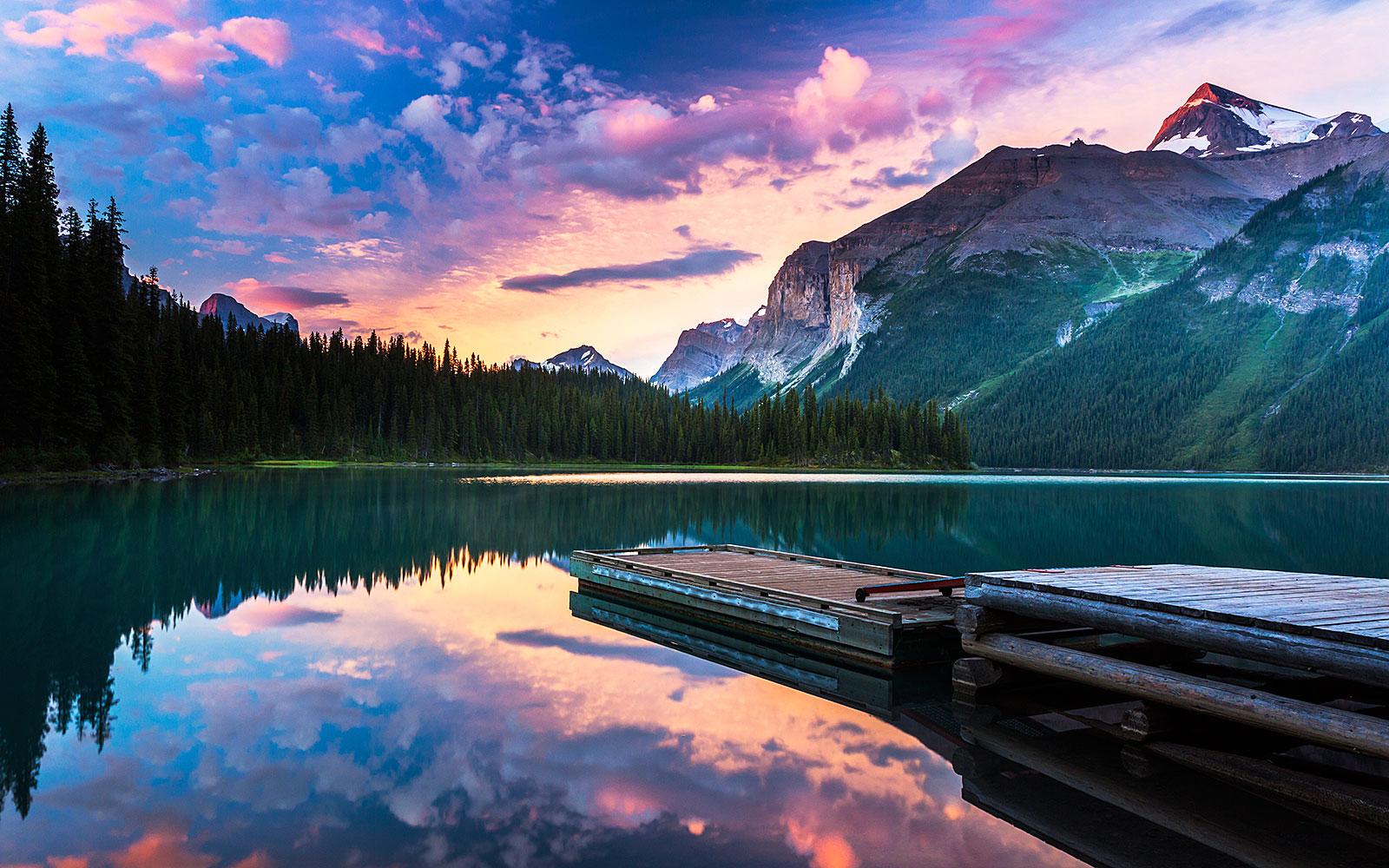 Dawn at Maligne Lake