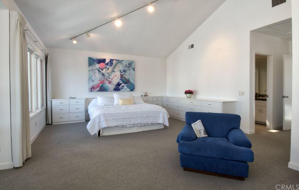 Warren Buffett Laguna Beach Master Bedroom