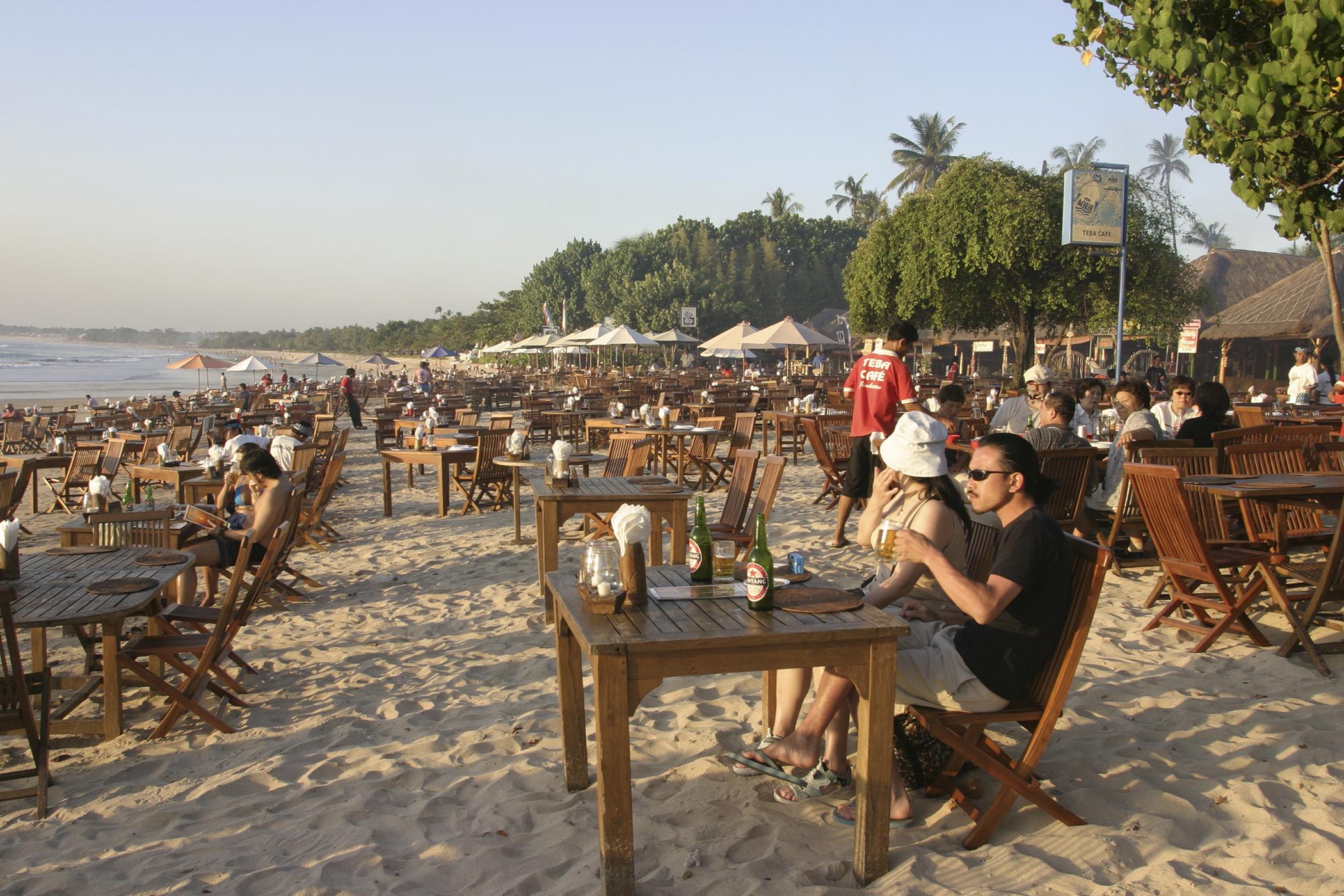 170316-travel-best-beaches-jimbaran-bali