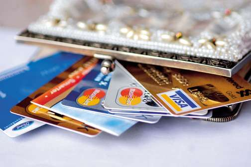 What's the Difference Between Swiping My Card as Debit or Credit?