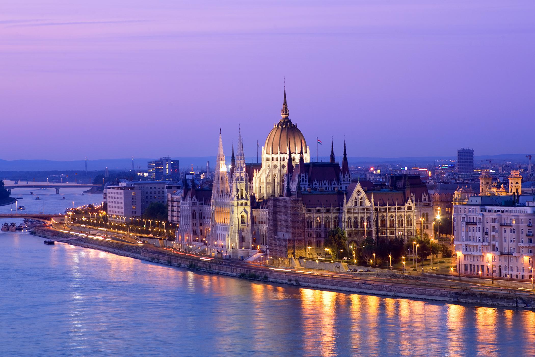 170407-europe-travel-budapest