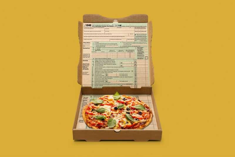 170413-tax-day-freebies-pizza
