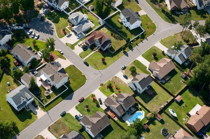 170417-suburbia-working-income