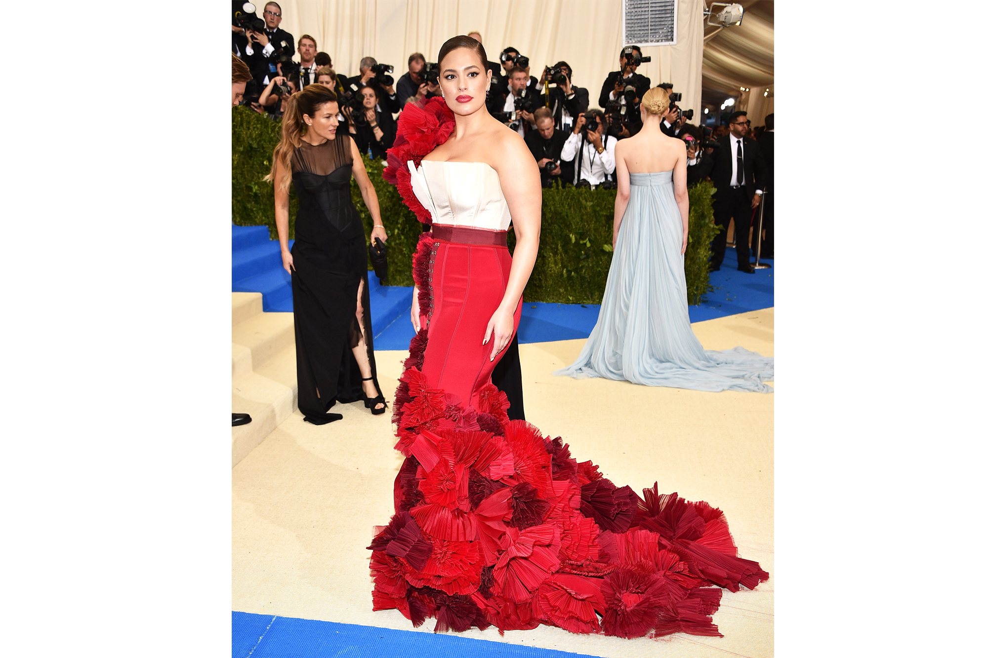 "NEW YORK, NY - MAY 01: Ashley Graham attends the ""Rei Kawakubo/Comme des Garcons: Art Of The In-Between"" Costume Institute Gala at Metropolitan Museum of Art on May 1, 2017 in New York City. (Photo by Kevin Mazur/WireImage)"