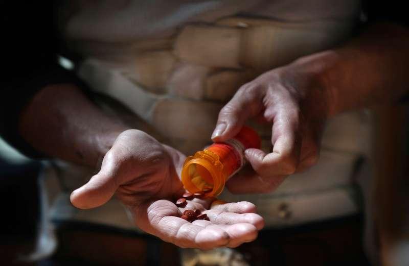 170706-opioid-crisis
