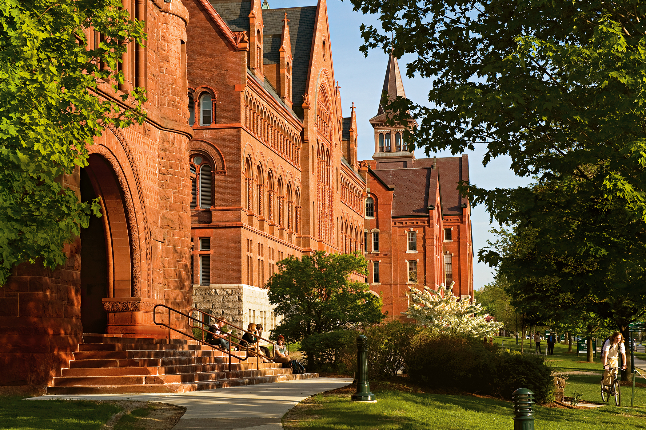 170726-best-colleges-each-state-vermont-university