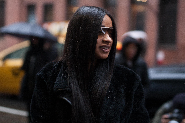 Street Style - New York Fashion Week February 2017 - Day 4