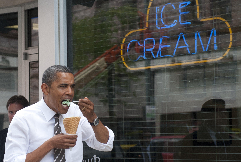 US President Barack Obama eats a mint ch