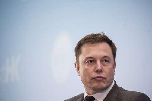 Tesla Founder Elon Musk Lost $800 Million This Week
