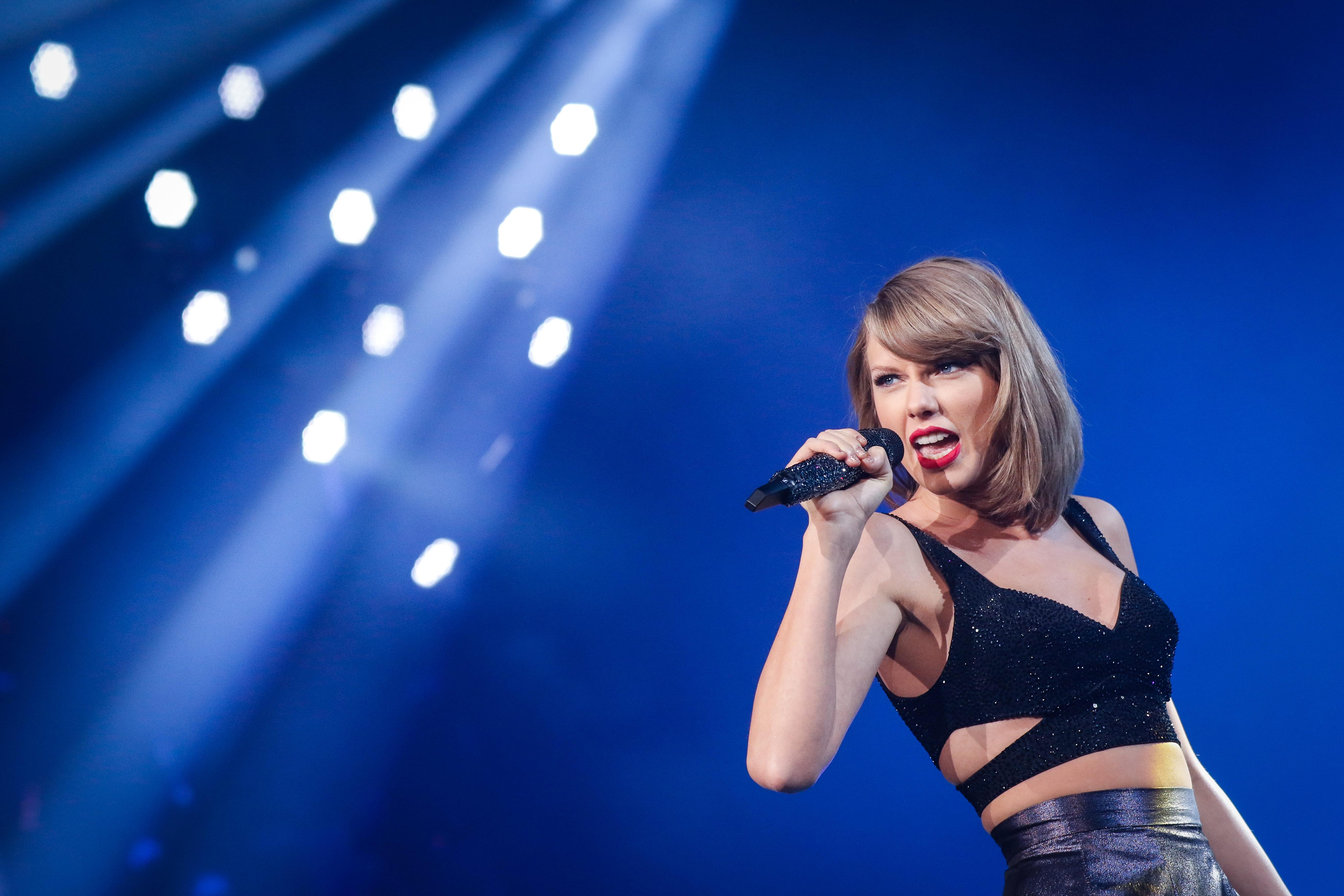Taylor Swift's The 1989 World Tour Comes To Shanghai