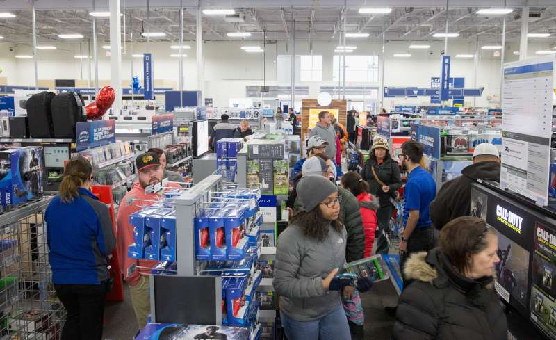 Stores Open Christmas Eve Hours For Walmart Target More Money