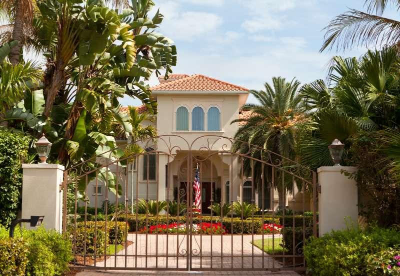 An affluent neighborhood in Florida
